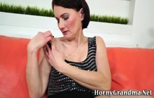 Slutty cougar sucking and riding